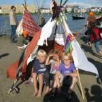 Activiteit voor festivals te huur: Hutten bouwen. foto van Spektakel IJburg