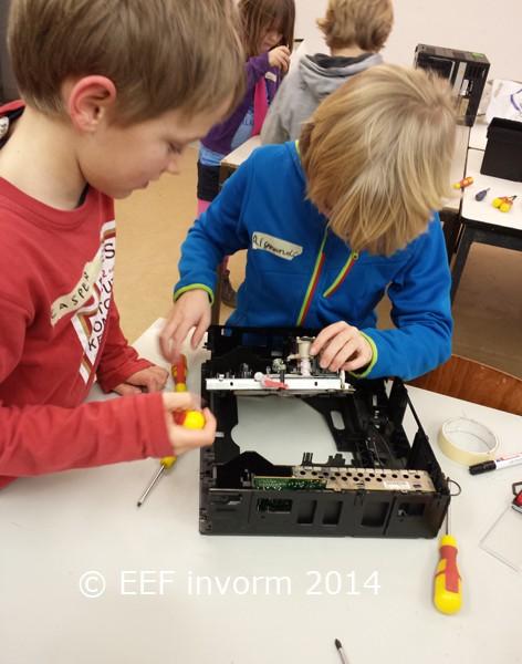 EEF geeft in september 2015 weer techniek les bij ZB45