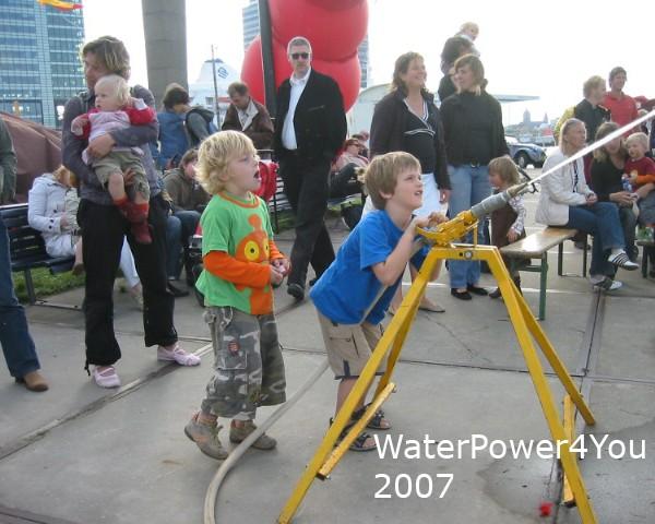 Activiteit voor festivals: WaterPower, 2005/2010 IJburgspektakel, OpenHavenFestival, OostFestival.